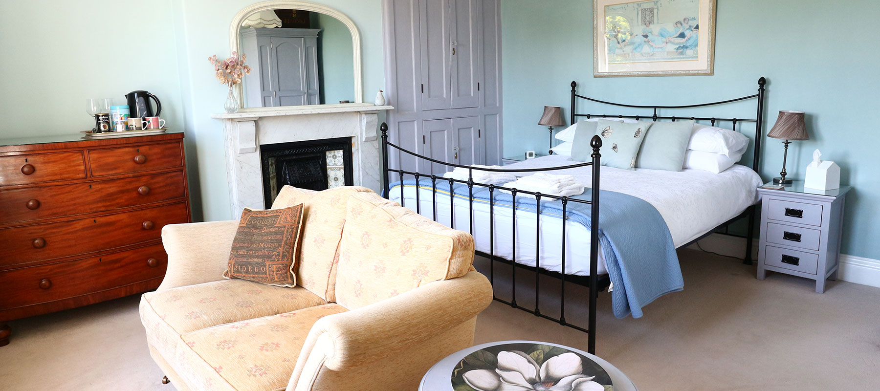 Saxon Villa Bed and Breakfast – Luxury King Room